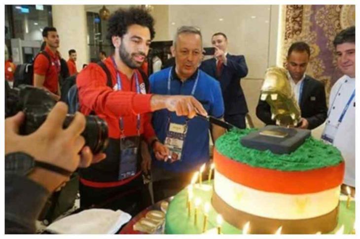 تقرير - بالفيديو.. ماذا يفعل محمد صلاح في عيد ميلاده؟