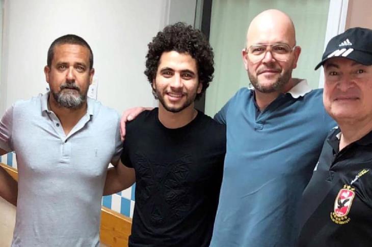 محمد محمود يطمئن على إصابته في مستشفى الجونة