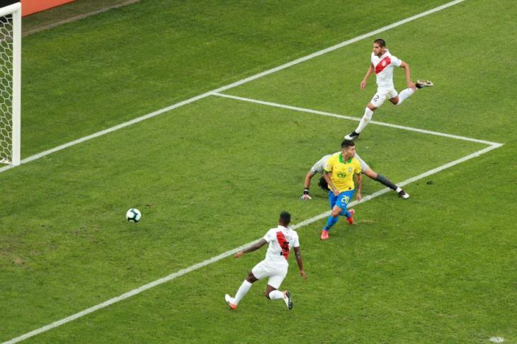 البرازيل تسقط أمام بيرو وديًا