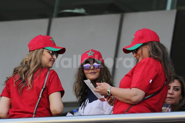 """بالصور..""""سميرة سعيد"""" ضمن حضور مباراة المغرب وناميبيا بملعب السلام"""