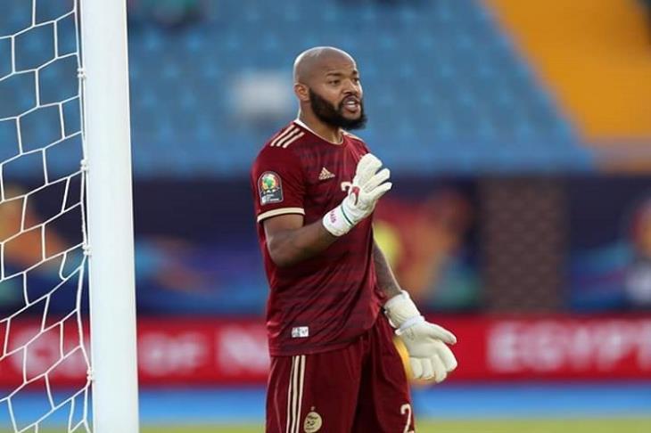 تقرير: اتحاد الكرة السعودي يدرس إلغاء التعاقد مع حراس مرمى أجانب