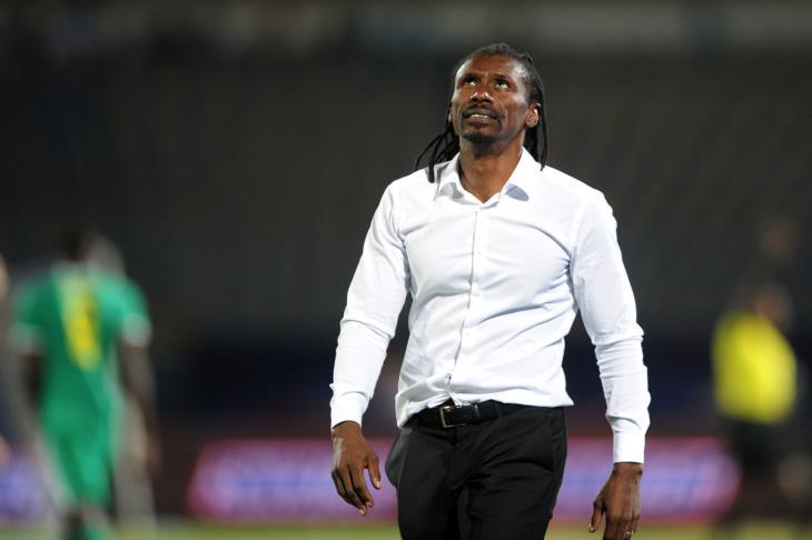 مدرب السنغال يتحدث عن منافسة ماني ومحرز.. رسالة للكاف والخسارة أمام الجزائر
