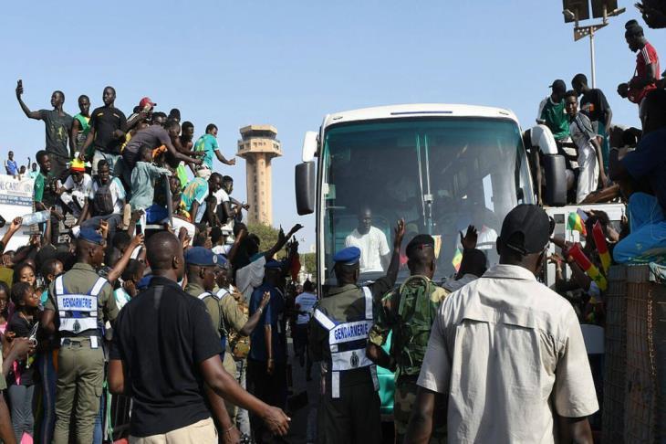 بالفيديو.. استقبال جماهيري ورئاسي حافل لمنتخب السنغال