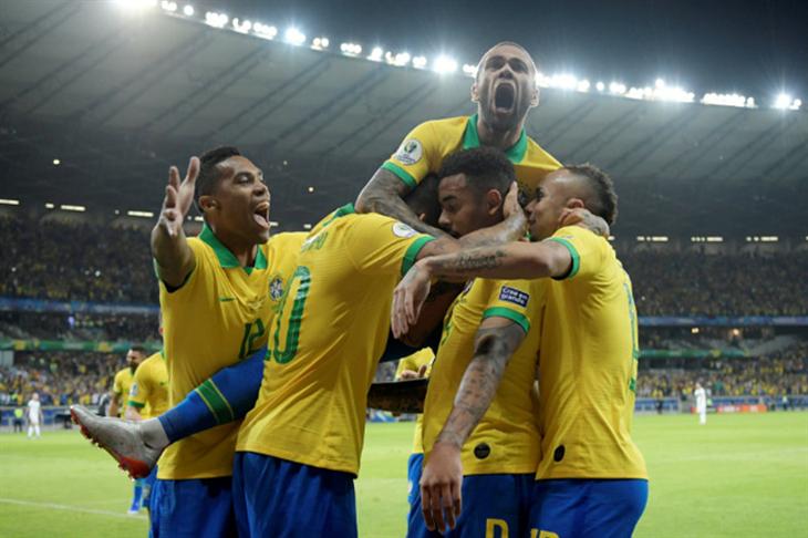 """البرازيل تطرد """"أشباح مينيراو"""" وتتأهل لنهائي كوبا أمريكا بإقصاء الأرجنتين"""