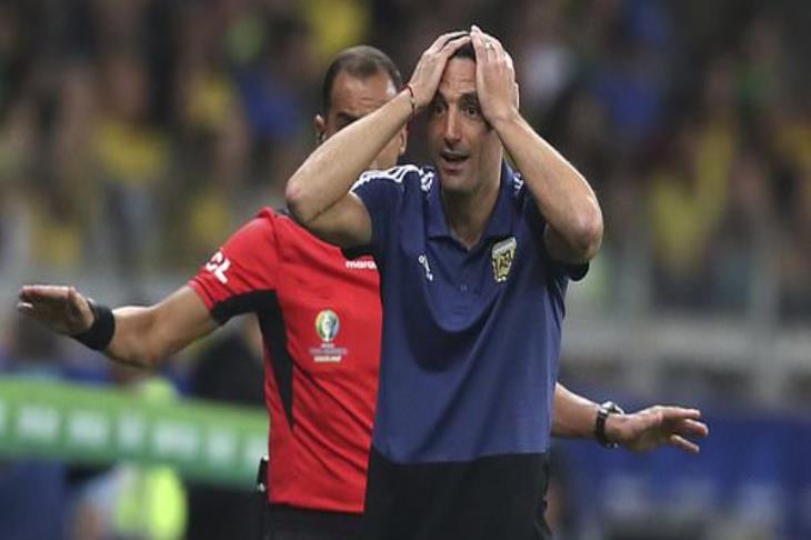 سكالوني: تفوقنا على البرازيل.. وكان على الحكم استخدام تقنية الفيديو