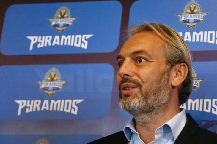 تقرير.. ديسابر وقيادة بيراميدز.. هل ينجح الفرنسي فيما فشل فيه 4 مدربين؟