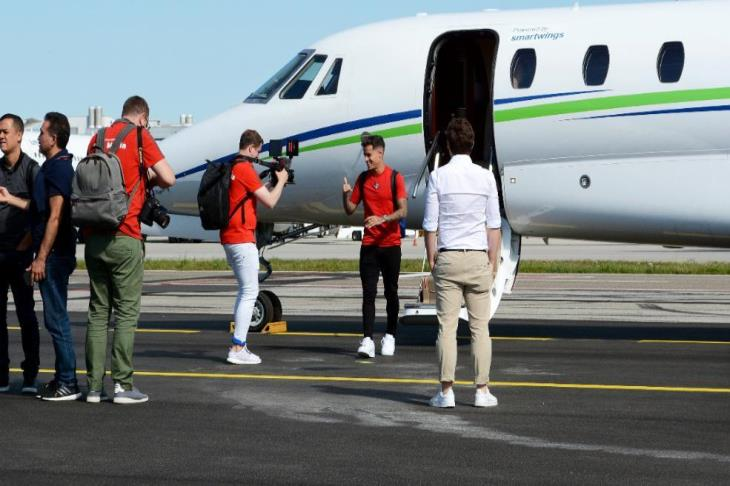 بالفيديو.. كوتينيو في ميونيخ لإنهاء صفقة إعارته لبايرن