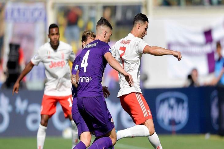 يوفنتوس يسقط في فخ التعادل السلبي أمام فيورنتينا في الدوري الإيطالي