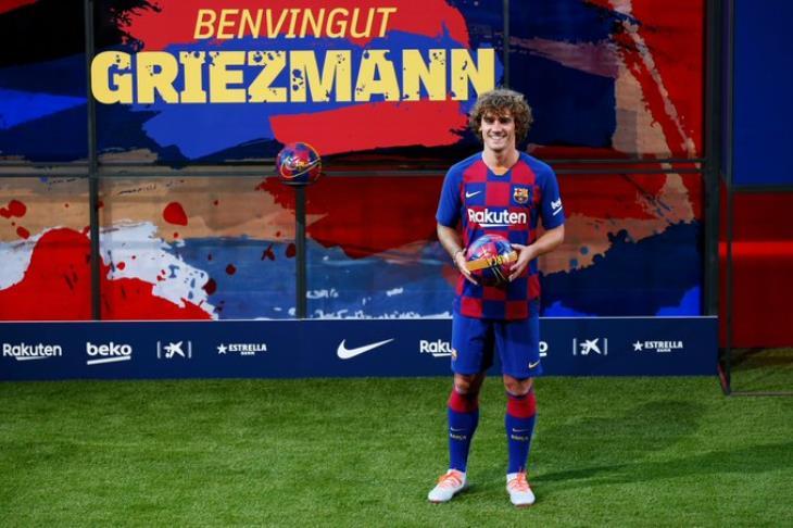 رسميًا.. تغريم برشلونة 300 يورو بسبب التفاوض مع جريزمان