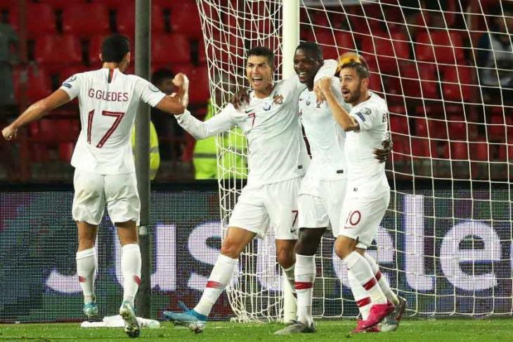 البرتغال تعبر صربيا برباعية وتحقق فوزها الأول بتصفيات يورو 2020