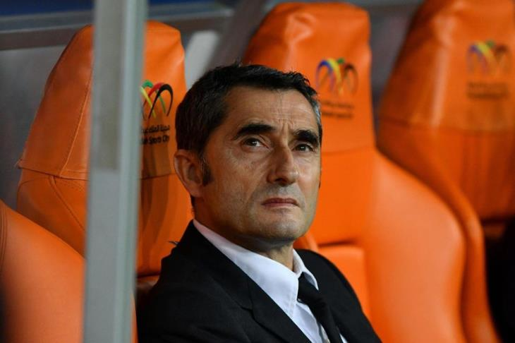 """""""الإقالة خلال ساعات"""".. تقارير: برشلونة يستقر على رحيل فالفيردي.. ويتواصل مع ممثليه"""