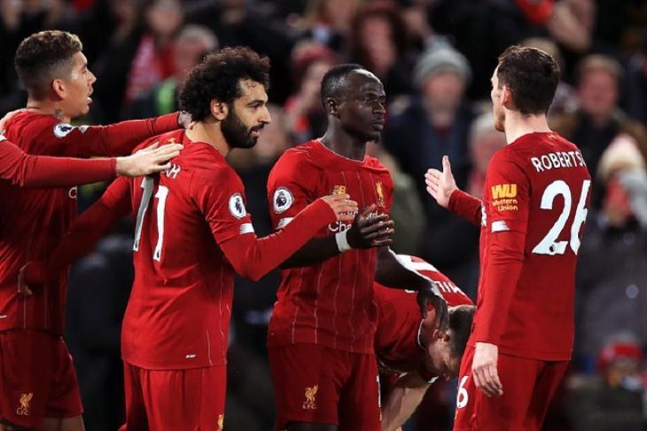 ليفربول يعلن.. تأجيل ظهوره بقميص نايكي حتى الموسم الجديد