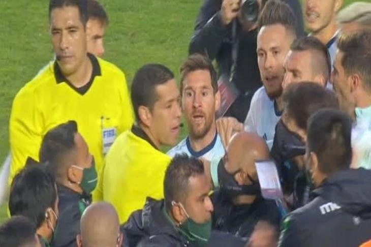 لا تنس السداسية.. ماذا حدث بين ميسي وقائد بوليفيا عقب المباراة؟