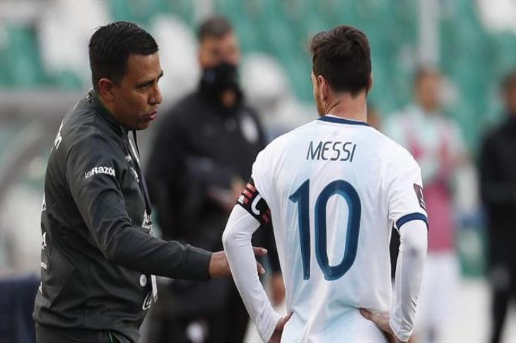 عن مشادته مع ميسي.. مدرب بوليفيا: إنه اللاعب الأفضل.. لقد حدث سوء فهم