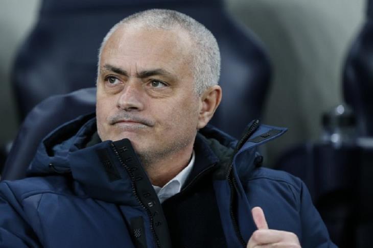 مورينيو يسخر من جولة المباريات الدولية وسط تفاقم أزمة كورونا