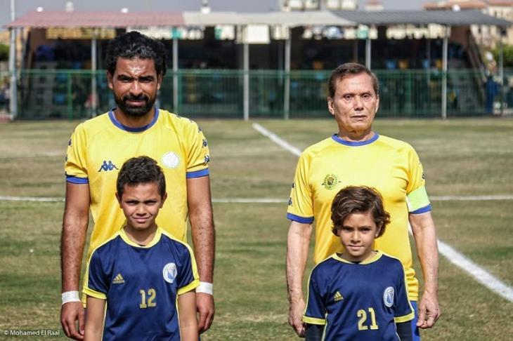 """فيفا يحتفي بالمصري """"بهادر"""" أكبر لاعب في تاريخ كرة القدم"""