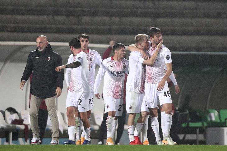 ميلان يحقق تأهلًا مثيرًا لمجموعات الدوري الأوروبي بعد ماراثون ركلات جزاء