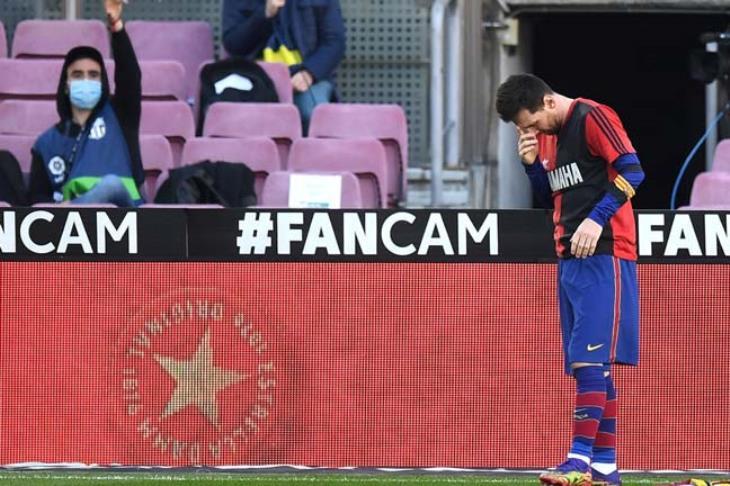 رفض طلب برشلونة برفع البطاقة الصفراء عن ميسي