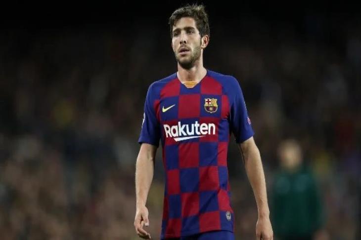 برشلونة يعلن.. إصابة سيرجي روبيرتو بفيروس كورونا