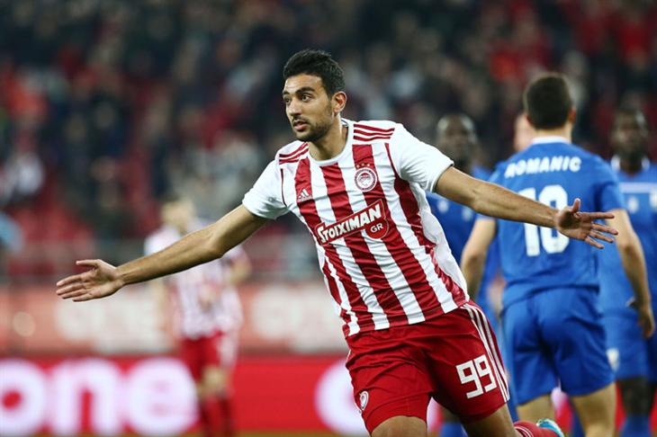 بالفيديو.. كوكا يسجل في كأس اليونان ويقود أوليمبياكوس إلى نصف النهائي