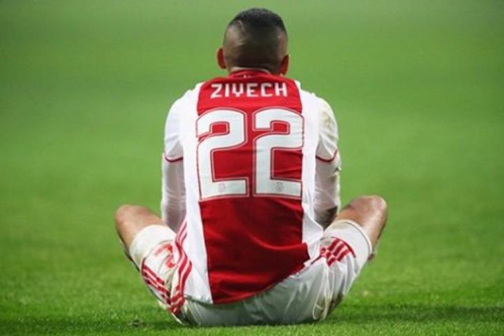 """تقرير.. """"الساحر"""" زياش.. عندما تعطيك كرة القدم الفرصة لتصحيح أخطاء الماضي"""
