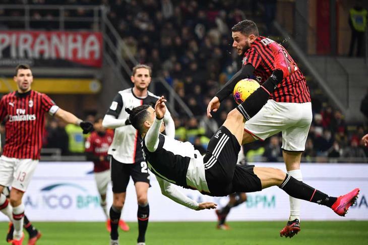 رونالدو يقود يوفنتوس للتعادل مع ميلان في ذهاب نصف نهائي كأس إيطاليا