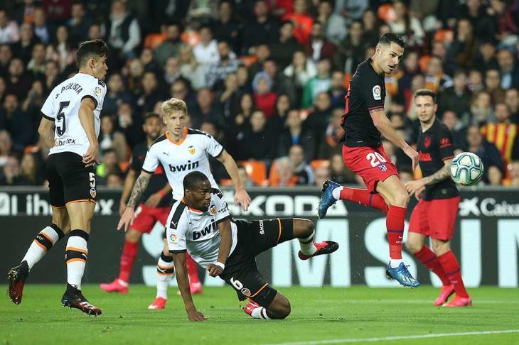 فالنسيا يتعادل مع أتلتيكو مدريد في الدوري الإسباني