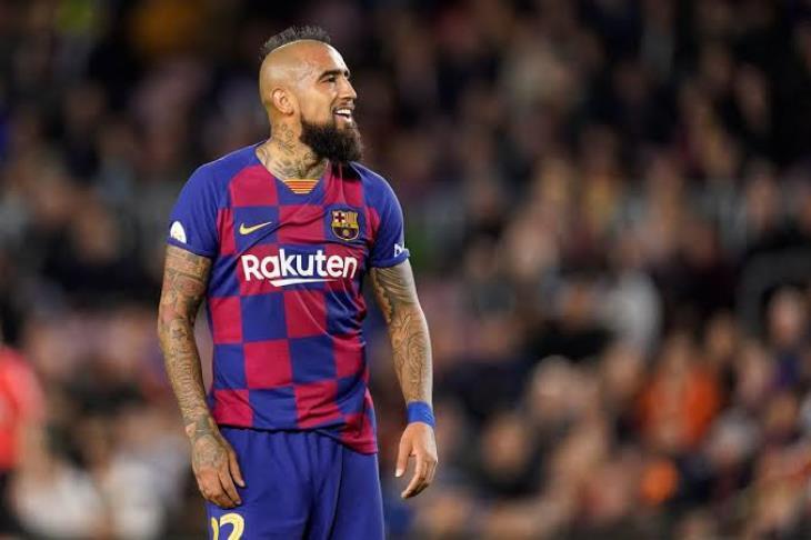 فيدال: لست مستعدا للرحيل عن برشلونة