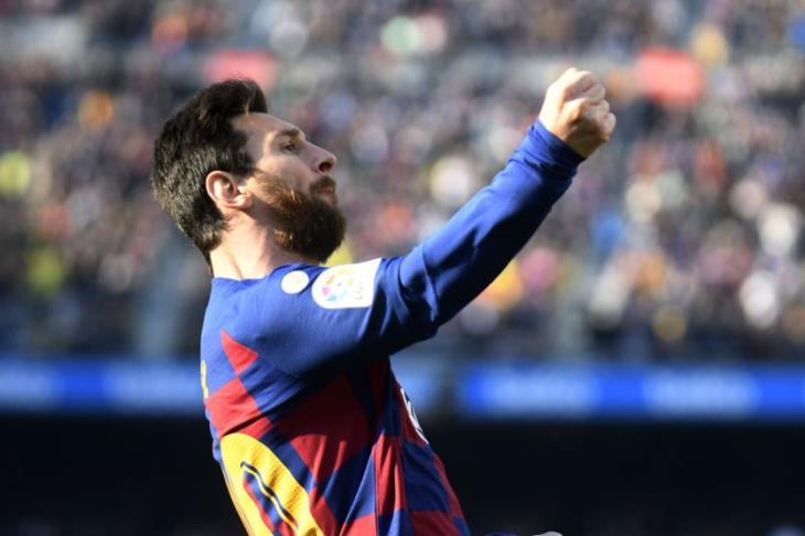 """ميسي يوجه """"تحذيرا رباعيا"""" لنابولي وريال مدريد"""