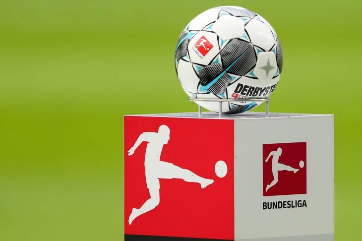 مسؤولو الكرة بألمانيا يرجحون استئناف منافسات البوندسليجا في التاسع من مايو