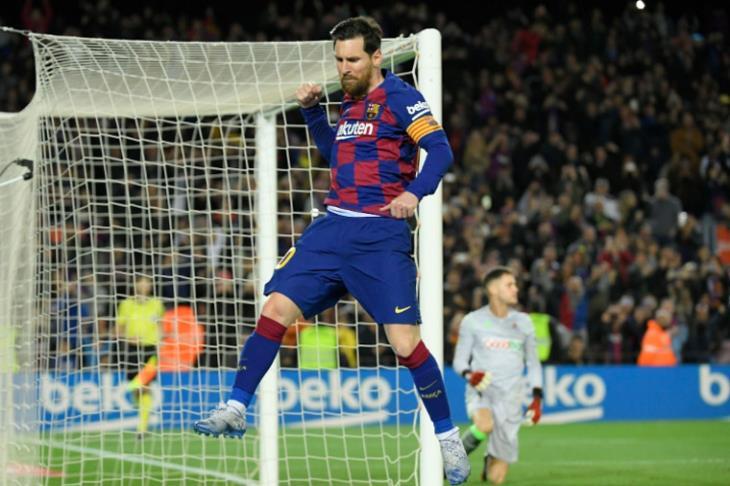 ميسي يعلن موافقة لاعبي برشلونة على تخفيض رواتبهم 70 %