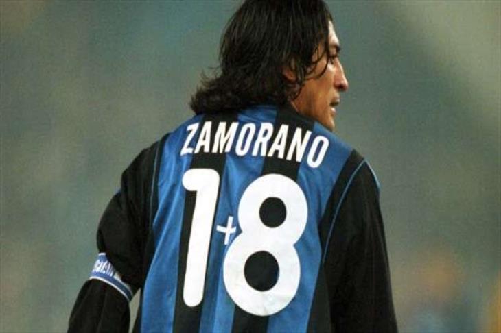 """حكاوي رمضان.. """"8+1"""" حيلة زامورانو لارتداء قميصه المفضل"""