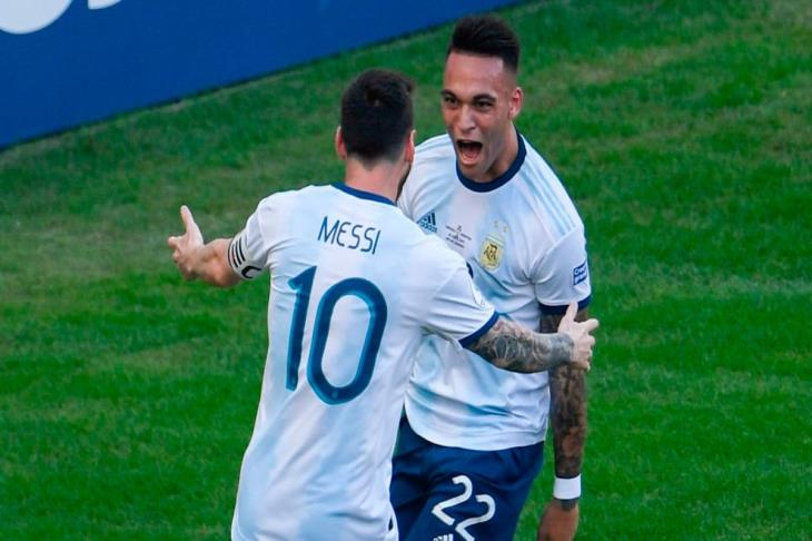 """ميسي يعلق على """"شكوكه"""" في التتويج بأوروبا.. وضم لاوتارو لبرشلونة"""