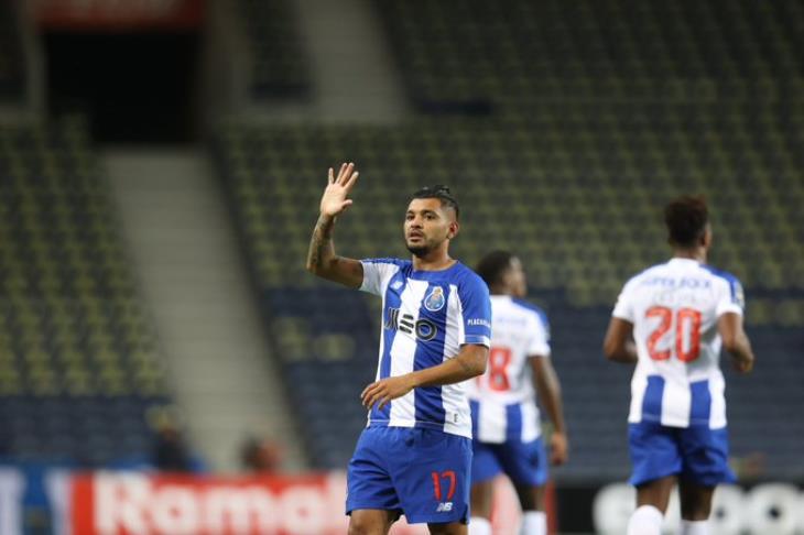 بورتو يقف على بعد نقطة واحدة من التتويج بلقب الدوري البرتغالي