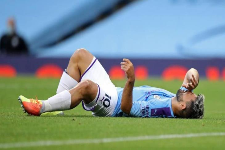 والده: أجويرو سيخضع لعملية جراحية في برشلونة