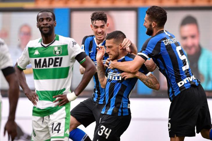 بالفيديو.. في مباراة الـ6 أهداف.. تعادل مثير بين إنتر ميلان وساسولو
