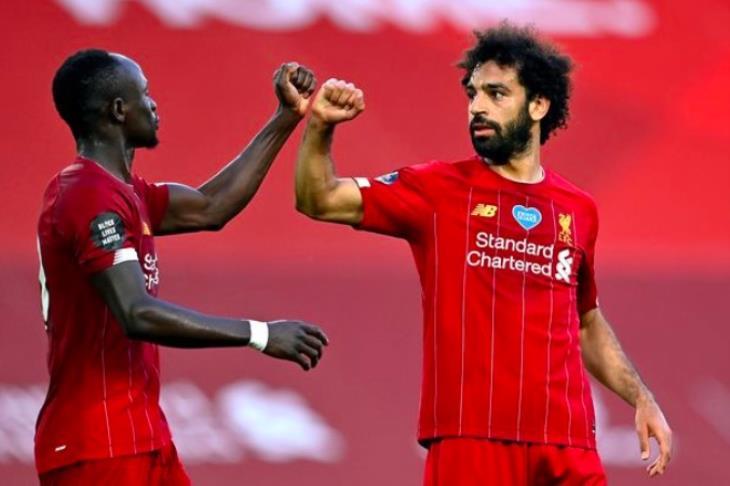 """صلاح يتحدث عن.. الأفضل في ليفربول.. """"نرفزة"""" ماني.. وعدم التشبع بالبطولات"""