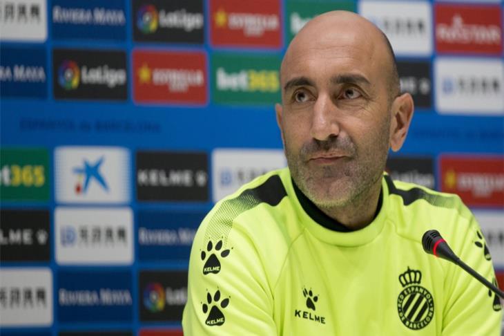 قبل يوم من مواجهة ريال مدريد.. إسبانيول يُقيل مدربه