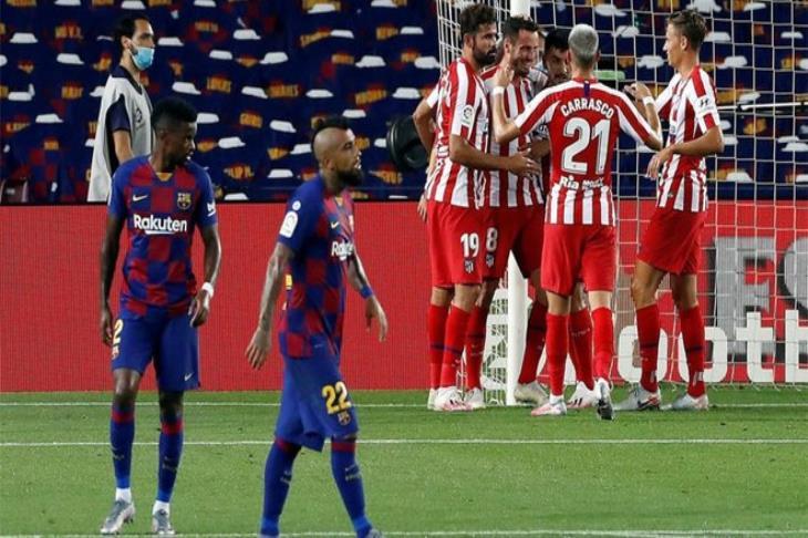 بالفيديو.. هل استحق أتلتيكو مدريد ركلة الجزاء الثانية أمام برشلونة؟