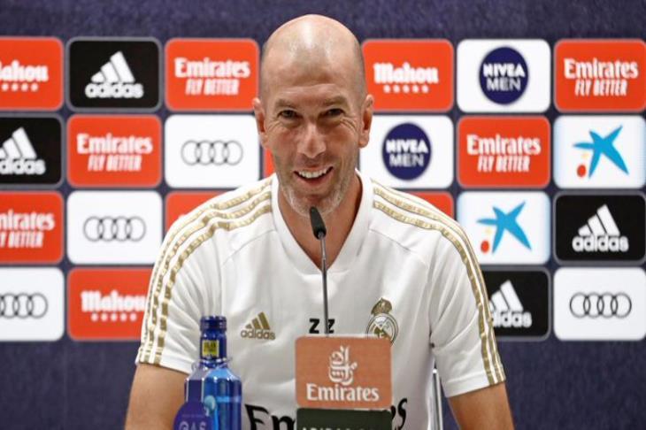 """تقرير.. زيدان """"الأسطوري"""" حامل مفاتيح بطولات ريال مدريد"""