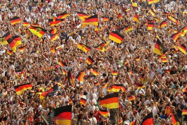 عودة الجماهير.. الدوري الألماني يفتح مدرجاته بنسب متفاوته