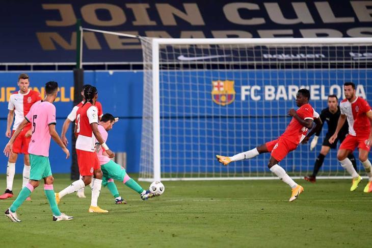 """بالفيديو.. """"يمين"""" ميسي تبدع في أول هدف بعد أزمته مع برشلونة"""