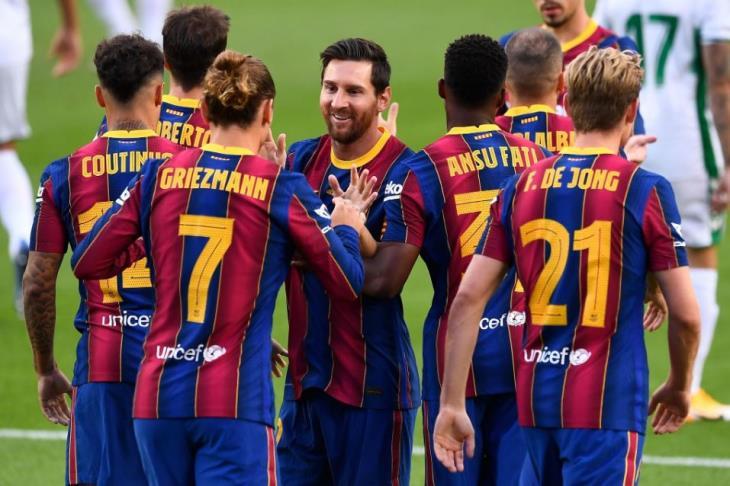 برشلونة يُتوج بكأس خوان جامبر