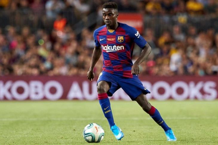 برشلونة يعلن إعارة واجو إلى باوك لمدة موسم