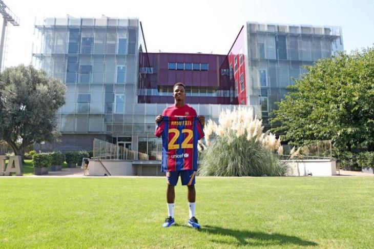 رسمياً.. برشلونة يُصعد أنسو فاتي للفريق الأول