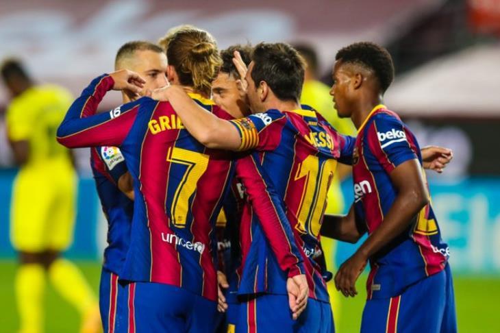"""برشلونة يبدأ عهد كومان برباعية في """"غواصات"""" فياريال"""