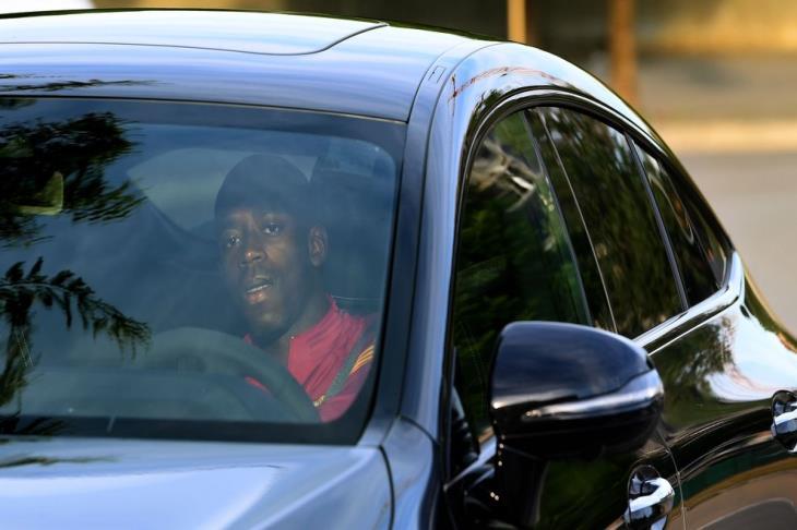 ديمبيلي يواصل عادته السيئة.. و5 دقائق أنقذته من عقوبة برشلونة