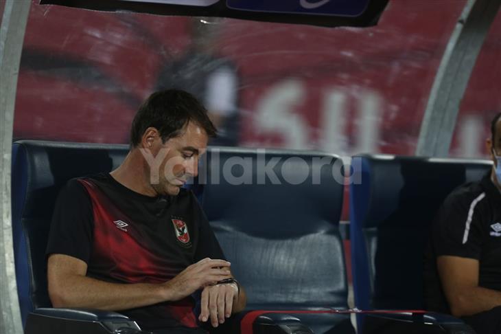 بالفيديو.. فايلر ينسحب من المؤتمر الصحفي بعد مباراة الأهلي والترسانة