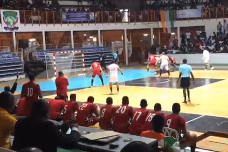 كرة اليد الزمالك يهزم الأهلي ليتوج بطلا لأفريقيا يلاكورة