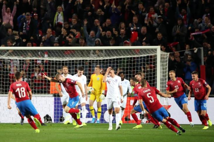 The Czechs beat England and share the group lead in the European qualifiers